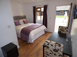 The Old Stable Yard, Bed & Breakfasts  Dartford - big - 8