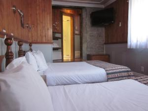 Deluxe Suite with Two Queen Beds