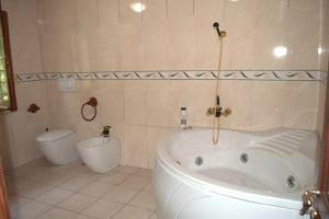 Bed & Breakfast La Giara, Bed and breakfasts  Marco Simone - big - 3