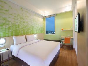Zest Hotel Airport Jakarta, Hotely  Tangerang - big - 3