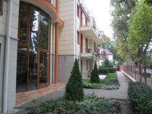 Sunny Apartman, Apartments  Siófok - big - 15