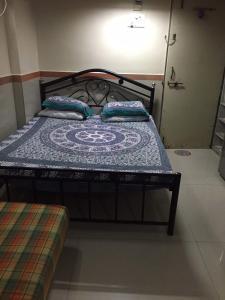 Med Mid Town Apt, Apartmány  Bombaj - big - 12