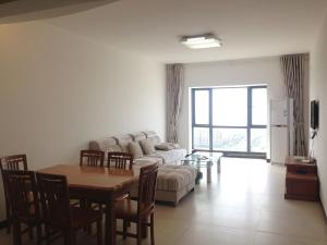 Golden Tiandi Holiday Apartment Bao'an Jiangnan City, Appartamenti  Haikou - big - 38