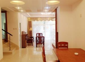 Golden Tiandi Holiday Apartment Bao'an Jiangnan City, Appartamenti  Haikou - big - 10