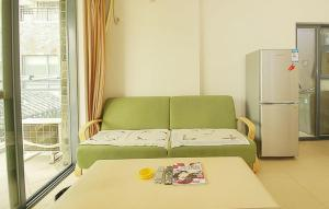 Golden Tiandi Holiday Apartment Bao'an Jiangnan City, Appartamenti  Haikou - big - 18