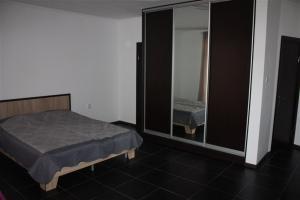 Suite on Railway Station, Ferienwohnungen  Ivano-Frankivs'k - big - 13