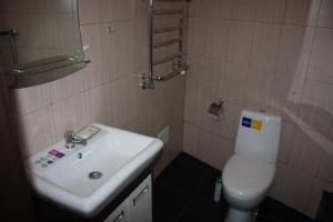 Suite on Railway Station, Ferienwohnungen  Ivano-Frankivs'k - big - 12