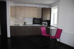 Suite on Railway Station, Ferienwohnungen  Ivano-Frankivs'k - big - 7