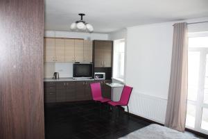 Suite on Railway Station, Ferienwohnungen  Ivano-Frankivs'k - big - 8