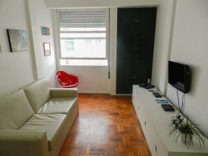 Apartment with Side Sea View 1102