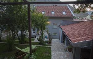 Guesthouse Hortenzija, Apartmanok  Mostar - big - 50