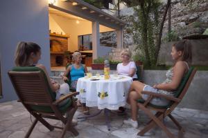 Guesthouse Hortenzija, Apartmanok  Mostar - big - 44