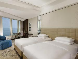 Club Twin Room with Sea View
