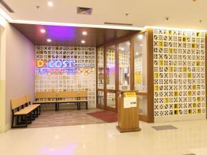 Zest Hotel Airport Jakarta, Hotely  Tangerang - big - 35