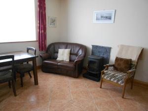 Castleview Holiday Home, Holiday homes  Donaghmore - big - 5