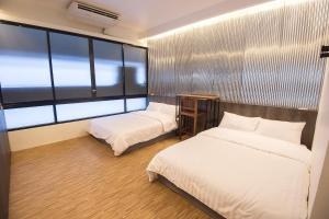 4 Persons City Room
