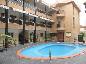 Royal Hotel & Residences, Hotely  Abobo Baoulé - big - 1