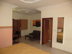 Royal Hotel & Residences, Hotely  Abobo Baoulé - big - 39