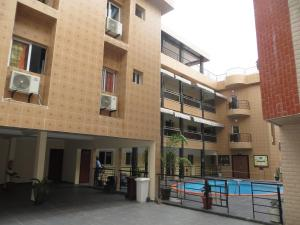 Royal Hotel & Residences, Hotely  Abobo Baoulé - big - 32