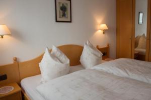 Kreuzhof, Bed and Breakfasts  Seefeld in Tirol - big - 15