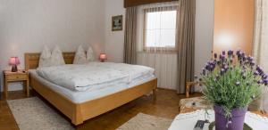 Kreuzhof, Bed and Breakfasts  Seefeld in Tirol - big - 3