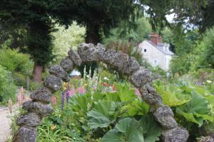 Cascades Gardens, Bed & Breakfasts  Matlock - big - 24