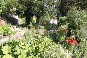 Cascades Gardens, Bed & Breakfasts  Matlock - big - 27
