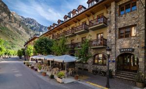 Hotel Ciria, Отели  Бенаске - big - 1