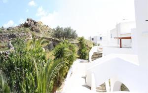 Manos Studios, Apartments  Platis Yialos Mykonos - big - 63