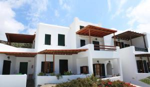 Manos Studios, Apartments  Platis Yialos Mykonos - big - 64