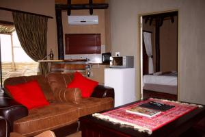 Lapa Lange Game Lodge, Лоджи  Mariental - big - 59