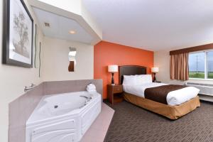 AmericInn by Wyndham St. Cloud, Отели  Saint Cloud - big - 8