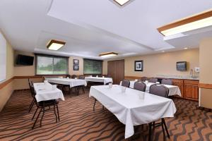 AmericInn by Wyndham St. Cloud, Отели  Saint Cloud - big - 30