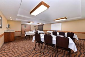 AmericInn by Wyndham St. Cloud, Отели  Saint Cloud - big - 32