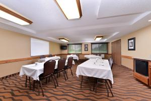 AmericInn by Wyndham St. Cloud, Отели  Saint Cloud - big - 31