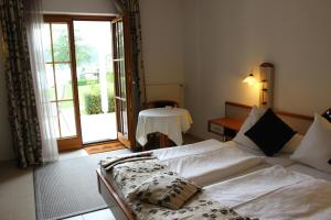 Seehotel Paulitsch, Hotely  Velden am Wörthersee - big - 14
