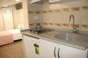 Ede Apart Otel, Aparthotels  Geyikli - big - 11