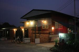 Sole and Luna Restaurant and Homestay