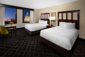 Quadruple Room with Two Double Beds - City View