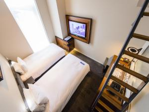 Deluxe Triple Room with Loft - 12th Floor - Non-Smoking