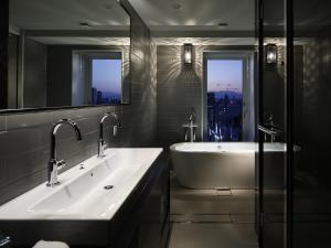 Luxury Designer Double Room - Mature - Non-Smoking