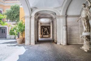 Trevi Rome Suite, Отели типа «постель и завтрак»  Рим - big - 109