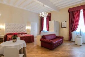 Trevi Rome Suite, Отели типа «постель и завтрак»  Рим - big - 16