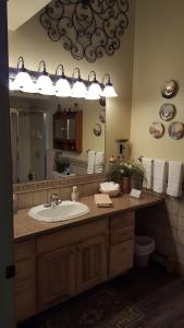 The Bookcliffs Bed & Breakfast, Bed and breakfasts  Grand Junction - big - 7