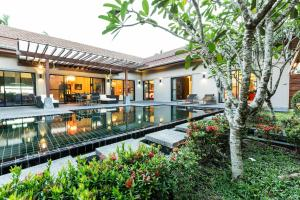 New Modern Pool Villa, Vily  Chalong  - big - 6
