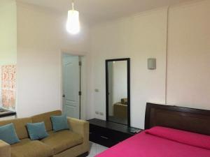 Apartment at nice resort with pool, Ferienwohnungen  Hurghada - big - 20