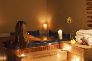 12 Months Luxury Resort, Отели  Цагарада - big - 47