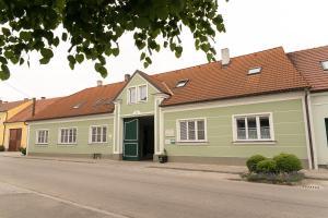 Weingut Familie Bauer, Affittacamere  Großriedenthal - big - 20