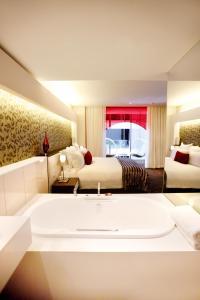 Standard Room with Atrium View