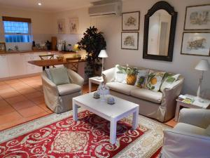 Roosboom Guest Apartments, Apartmány  Somerset West - big - 25